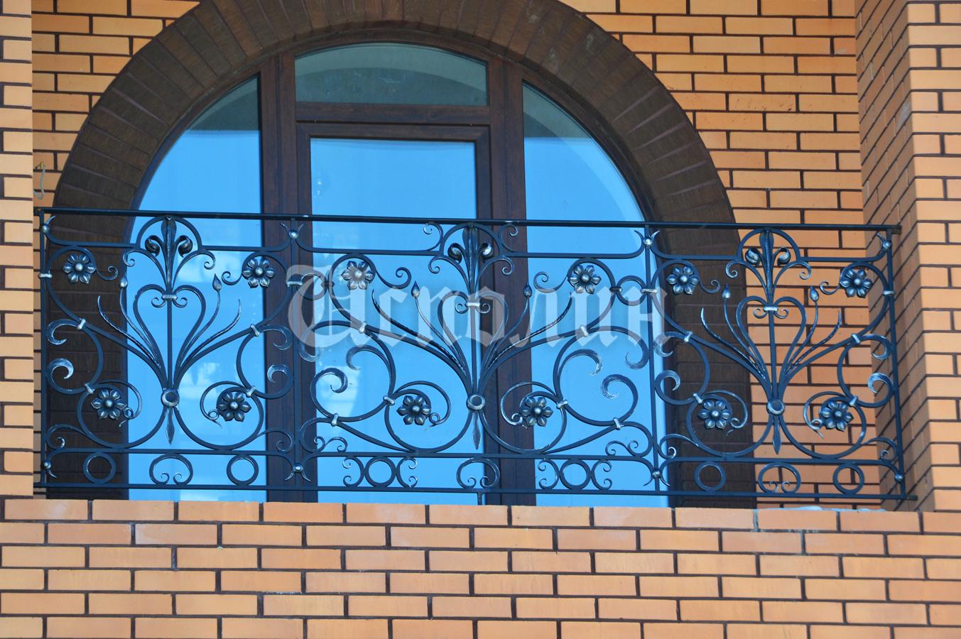 Фотогалерея работ по художественной ковке - кованые балконы.